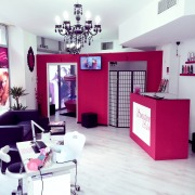 Inchiriez camera in salon pentru masaj, cosmetica, gene false, tattoo