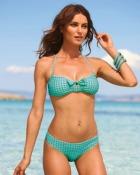 Concediu in Emirate: nu ai voie in bikini sau slip pe plaja
