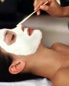 Cum se pot aplica tratamentele cosmetice cu lapte