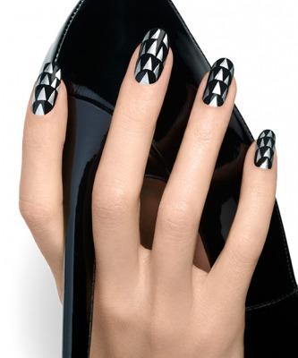 negrul-metalizat-este-la-moda-in-2014.jpg