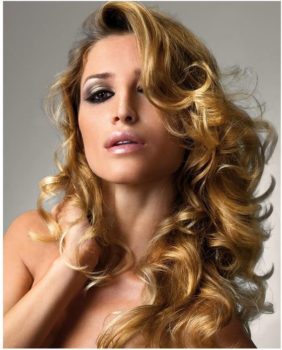 Прически для длинных волос 2011.