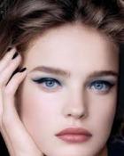 Machiajul ochilor albastri