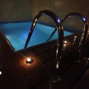 masaj-erotic-piscina4.jpg